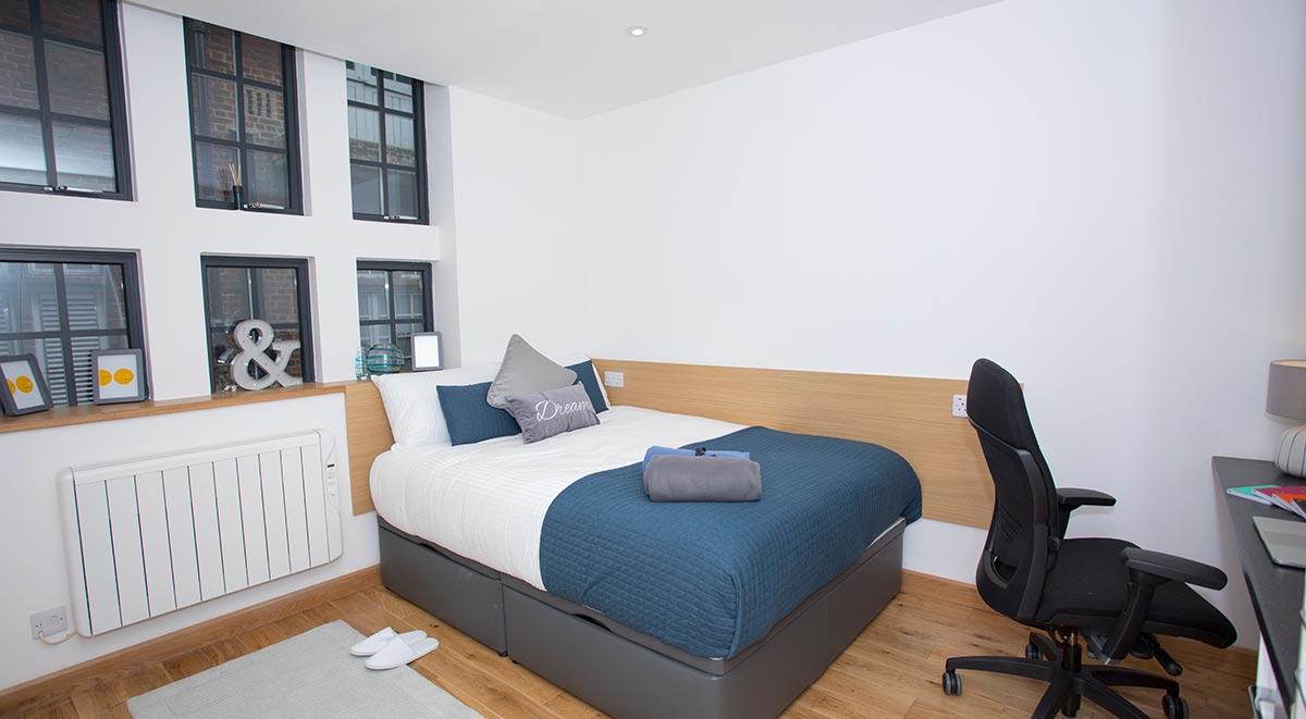 West-Drayton-Maksons-House-London-Studio-Bedroom-1-Unilodgers