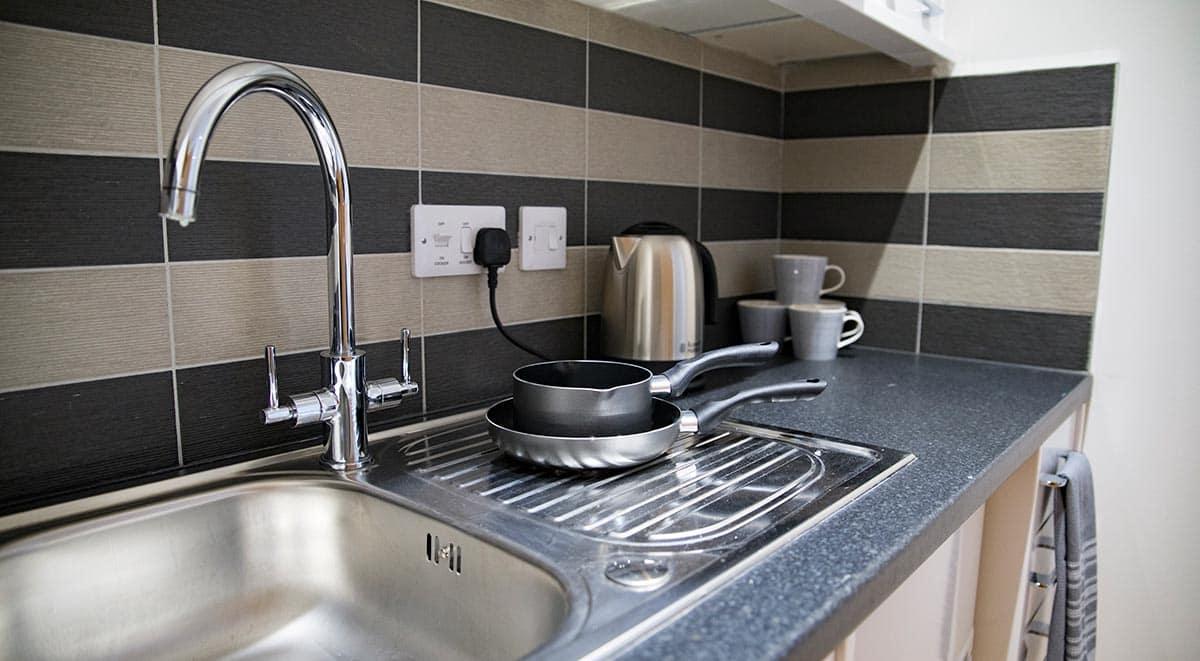 West-Drayton-Maksons-House-London-Studio-Kitchen-Unilodgers