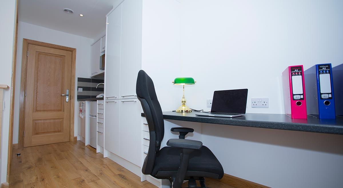 West-Drayton-Maksons-House-London-Studio-Study-Table-Unilodgers
