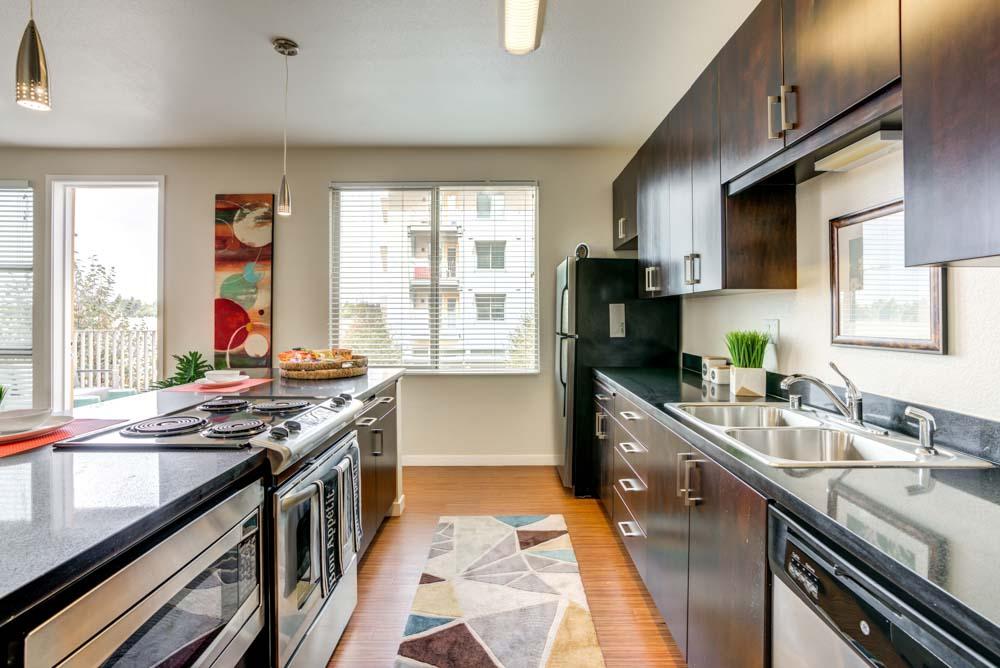 West-Village-Apartments-Davis-CA-Kitchen-With-Fridge-Unilodgers