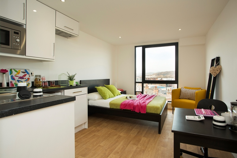 Westbar-House-Sheffield-Bedroom-And-Kitchen-Unilodgers
