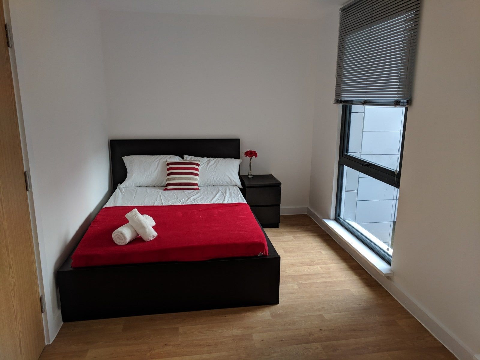 Westbar-House-Sheffield-Bedroom-Unilodgers