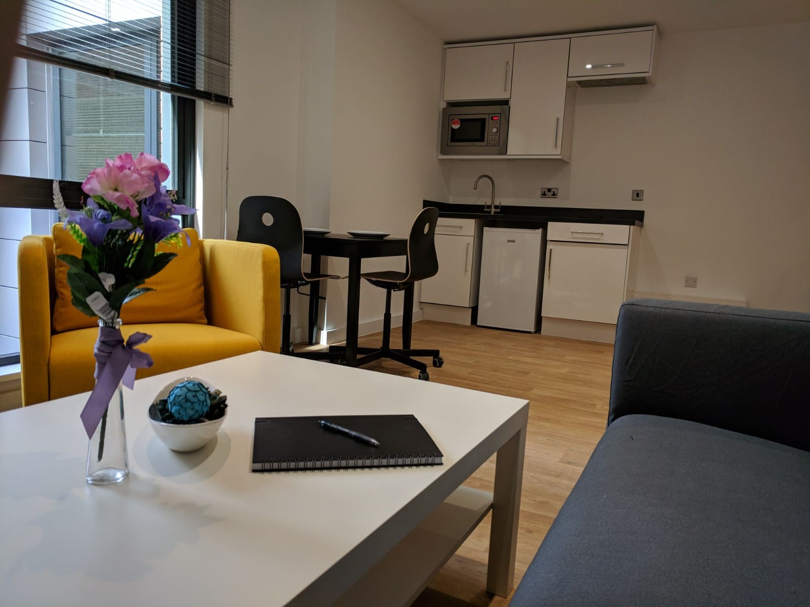 Westbar-House-Sheffield-Living-Area-Unilodgers