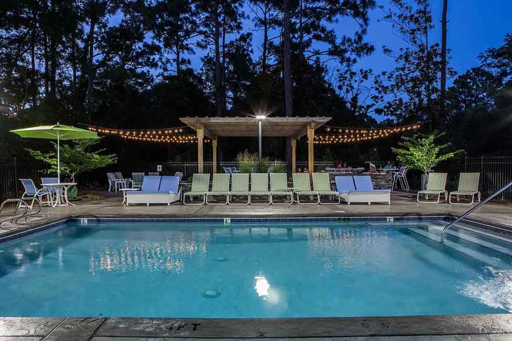 Wilshire-Landing-Apartments-Wilmington-NC-Swimming-Pool-Unilodgers