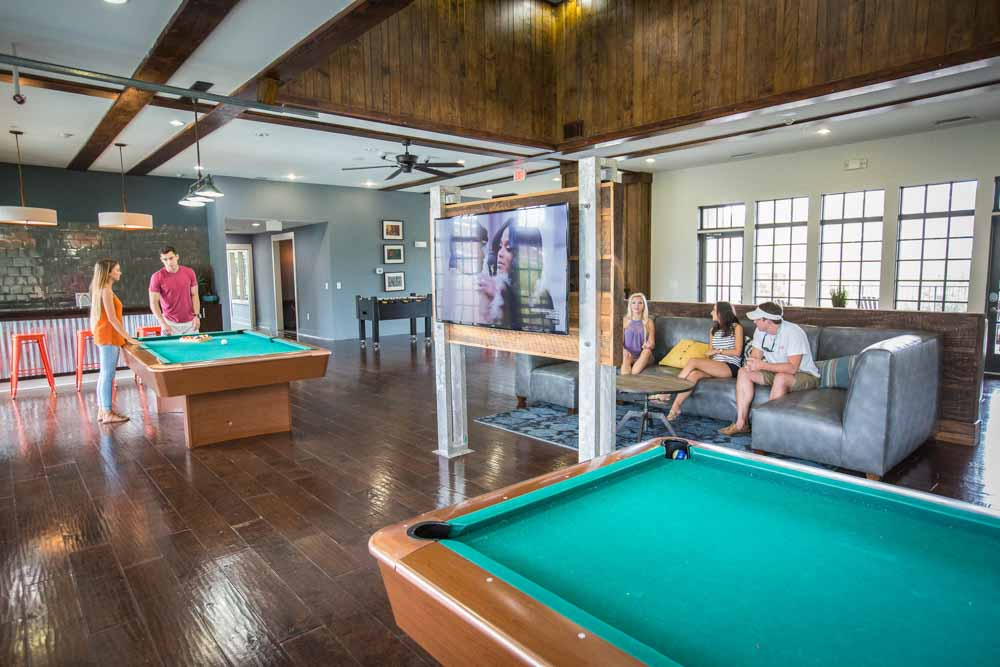 Woodlands-of-Gainesville-FL-Games-Room-Unilodgers