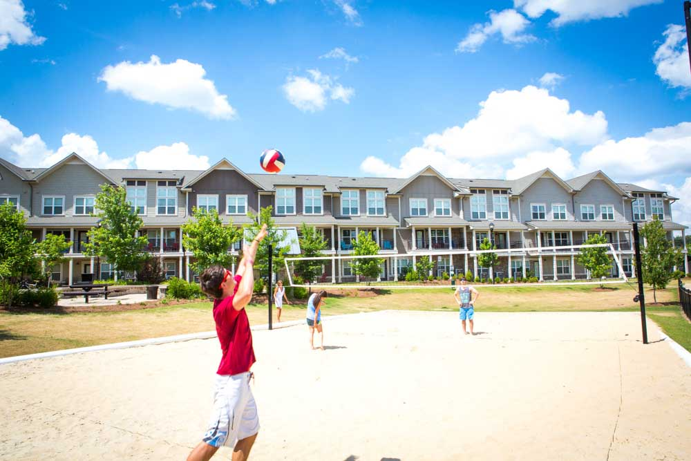 Woodlands-of-Tuscaloosa-AL-Volleyball-Court-Unilodgers