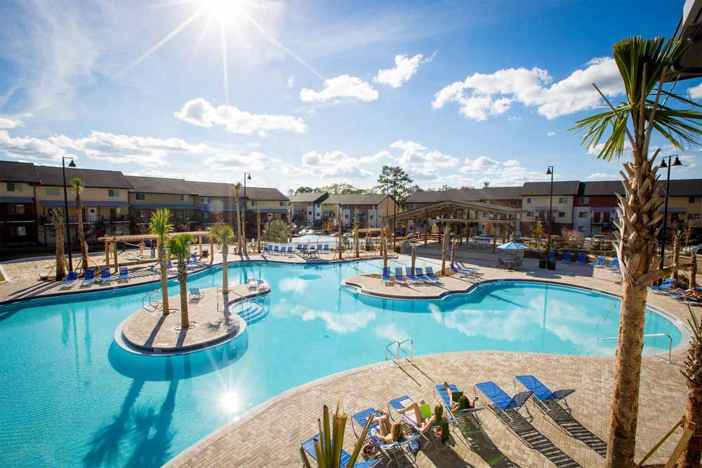 Woodlands-on-West-Tennessee-Tallahassee-FL-Swimming-Pool-Unilodgers