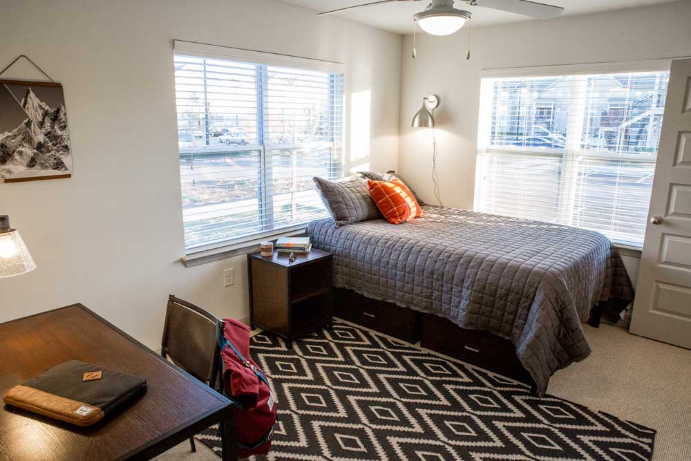 Woods-of-San-Marcos-San-Marcos-TX-Bedroom-Unilodgers