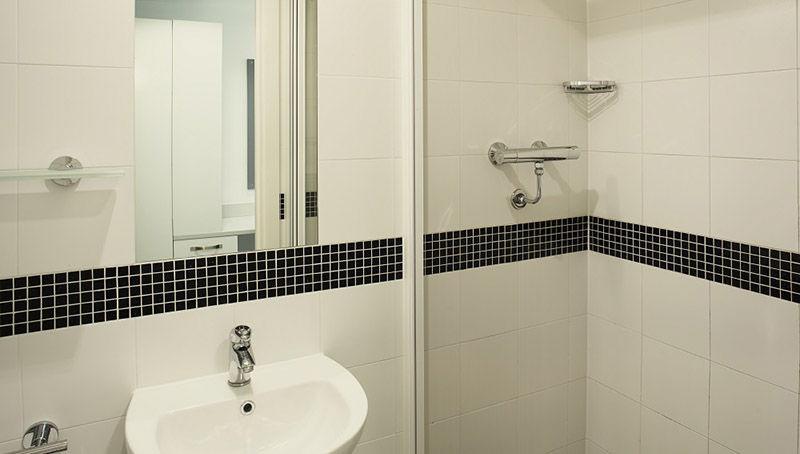 alice-house-oxford-bathroom-1-unilodgers