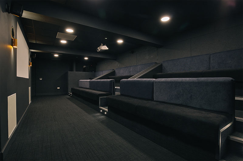 Fountain-Bridge-Edinburgh-Cinema-Room-Unilodgers