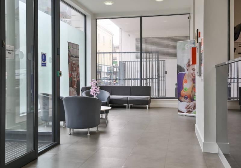 iQ-Abacus-House-Brighton-Reception-Unilodgers