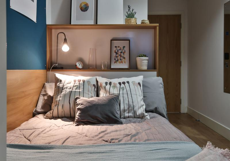 iQ-Abacus-House-Brighton-Silver-Ensuite-Unilodgers