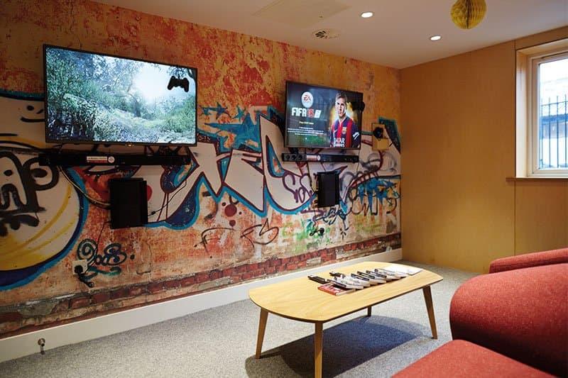 iQ-Aspley-House-Huddersfield-Cinema-Room-Unilodgers