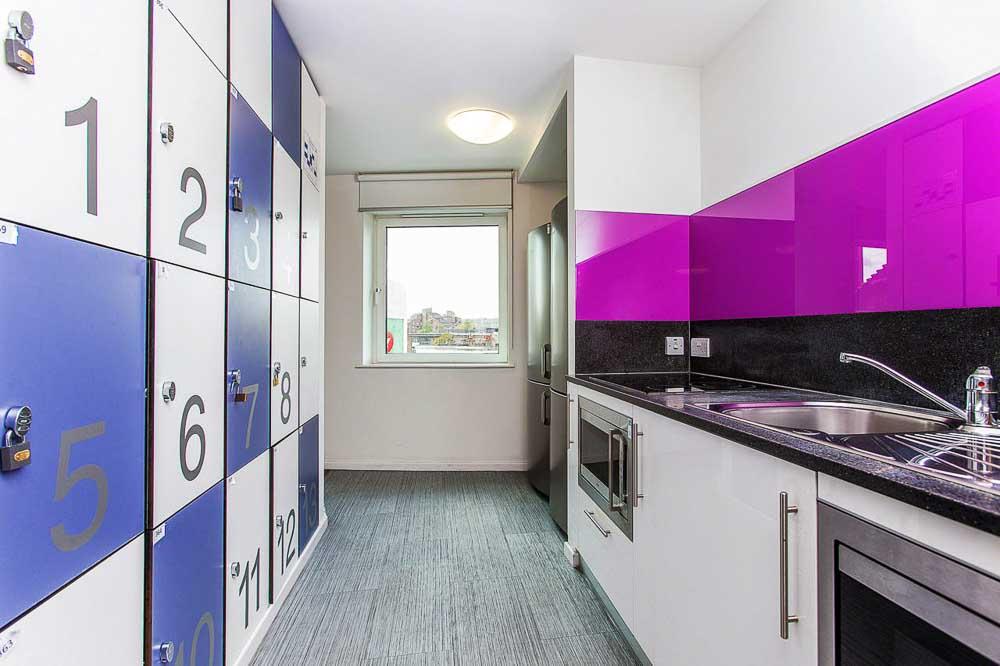 iQ-Highbury-London-Kitchen-1-Unilodgers