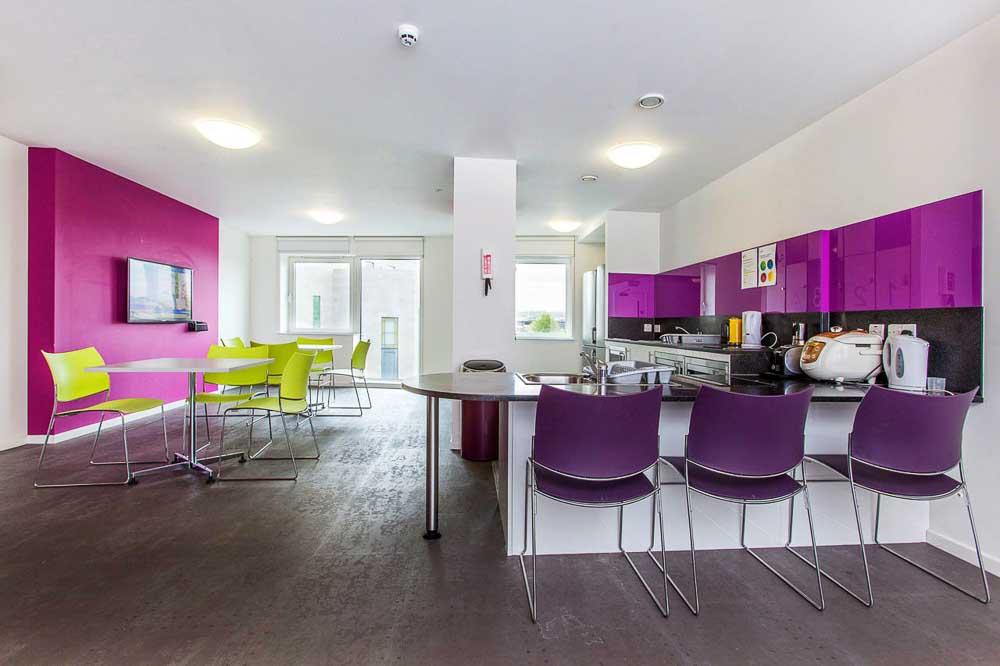 iQ-Highbury-London-Shared-Kitchen-Unilodgers