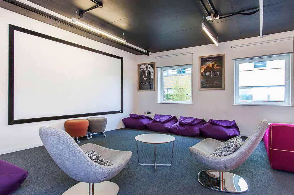 iQ-Highbury-London-Social-Space-Unilodgers