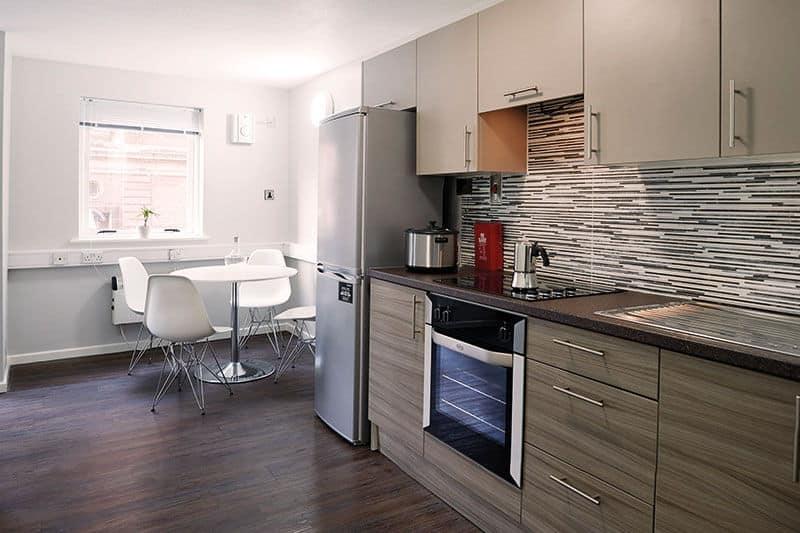 iQ-Lambert-and-Fairfield-House-Kitchen-1-Unilodgers