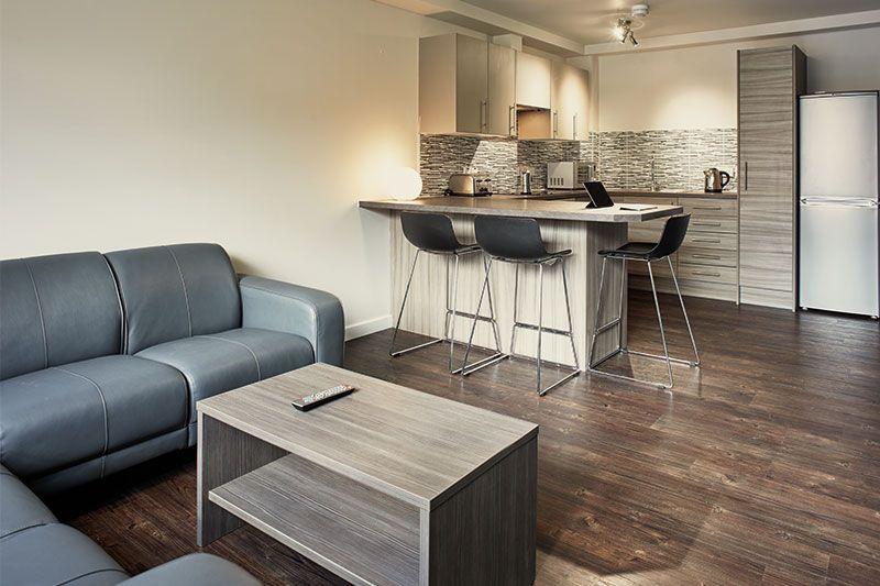 iQ-Wilmslow-Park-House-Manchester-En-Suite-Kitchen-Area-Unilodgers